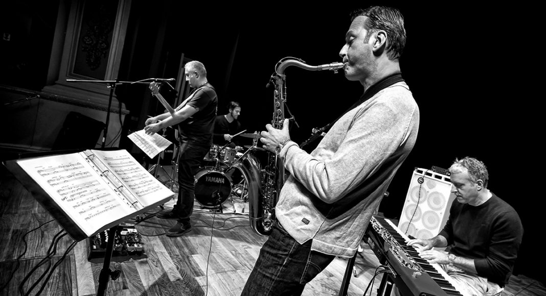 Luca di Luzio Jimmy Haslip Quintet 016